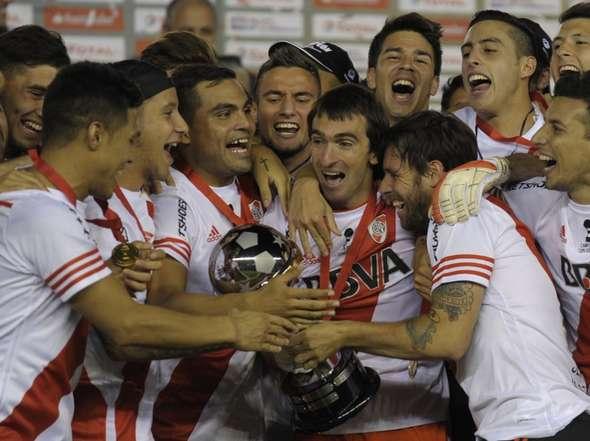 fotos-festejo-River-campeon-Sudamericana_OLEIMA20141210_0236_8