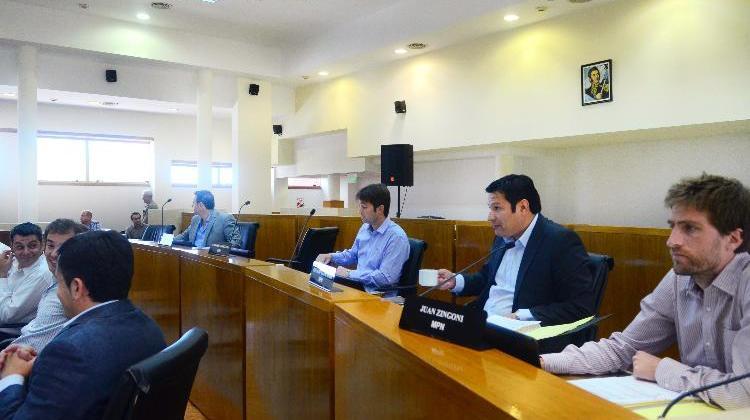 neuquen 11/12/2014 el concejo deliberante sesiona el presupuesto ceci