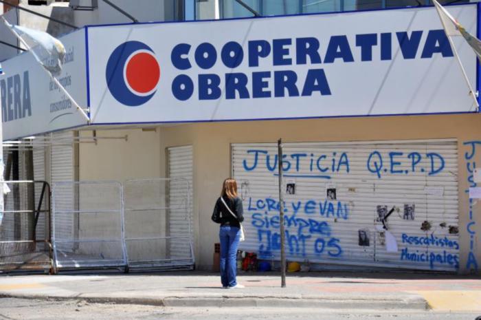 Ag Nqn  1 mes del derrumbe del Super La Cooperativa obrera (44)