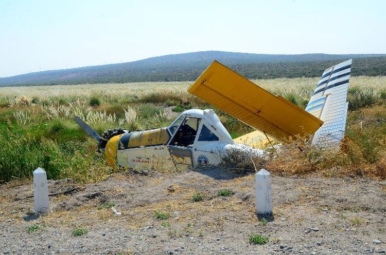 neuquen 20-02-2015 cayo una avioneta en el km 1431 de la ruta 237