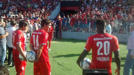 flamantes-refuerzos-Independiente-posaron-camaras_OLEIMA20150211_0141_5