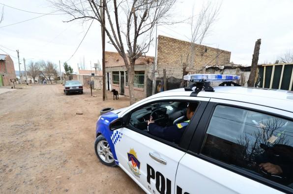 policia17-596x395