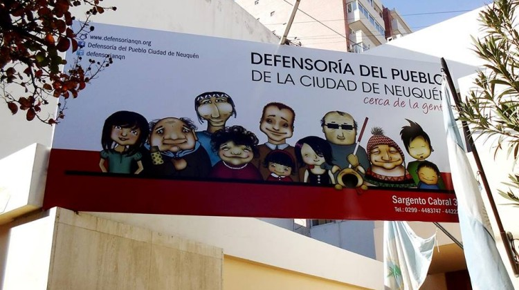 cartel-defensoria-nqn