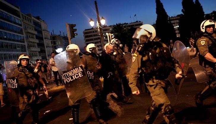 0715_grecia_protesta_economia_g8_afp.jpg_1853027552