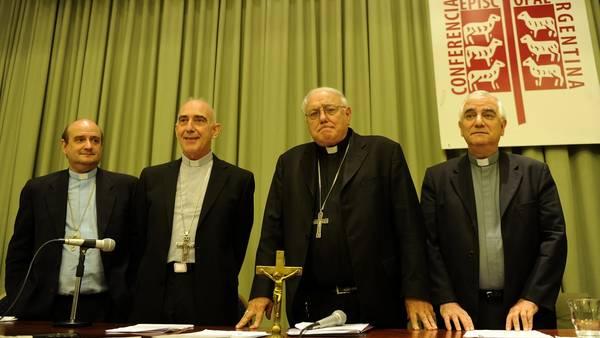 Obispos-Enrique-Arancedo-Alfredo-Martinez_CLAIMA20150319_0060_27