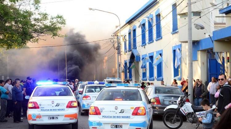 VIEDMA - 07/08>/15 la justicia provincial fijo sentencias en la causa de mavilizacion de empleados policiales foto marcelo ochoa