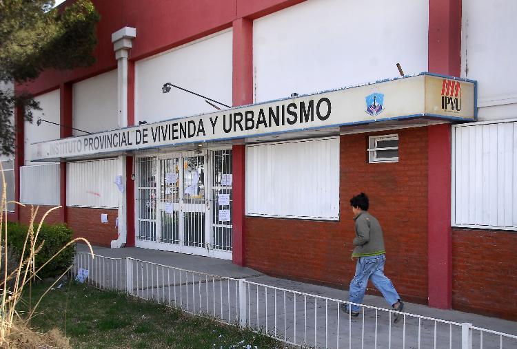 FRENTE DEL IPVU... HAY UNA DENUNCIAN CONTRA  SOBISCCH EN EL IPVU...