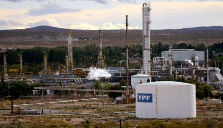 plaza huincul refineria ypf