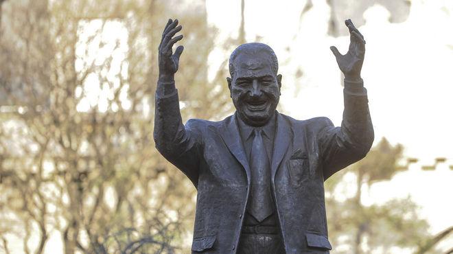 Monumento al general Perón, en Capital Federal.