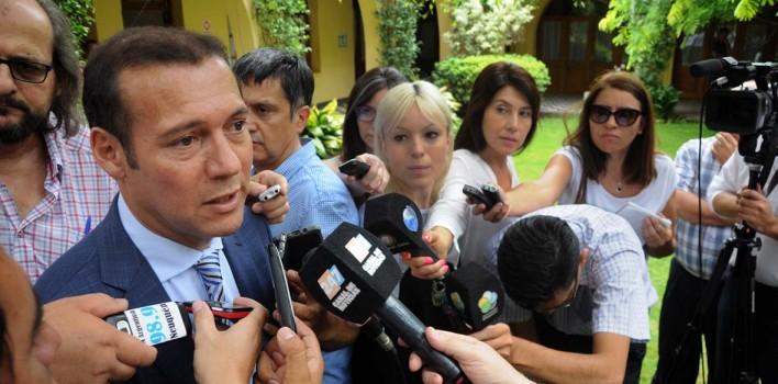 Gobernador-Omar-Gutierrez-rueda-de-prensa-en-casa-de-gobierno-708x350