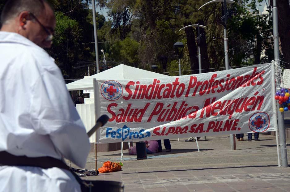 Neuquén: El Sindicato de Profesionales de Salud Pública (Si.Pro.Sa.Pu.Ne) cumplieron 7 meses con medidas de fuerza.