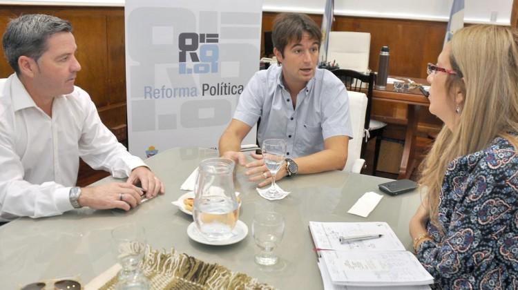 Juan Pablo Prezzoli con Carlos Sanchez (union popular) reunido por reforma politica