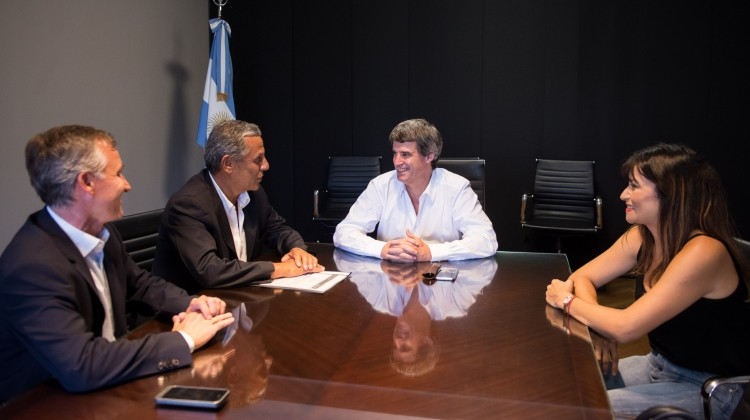 8 de marzo de 2016. El ministro de Hacienda, Alfonso Prat-Gay, se reunió con el intendente de Nequen, Pechi Quiroga. Foto: Mariano Sandá/Min. Hacienda.