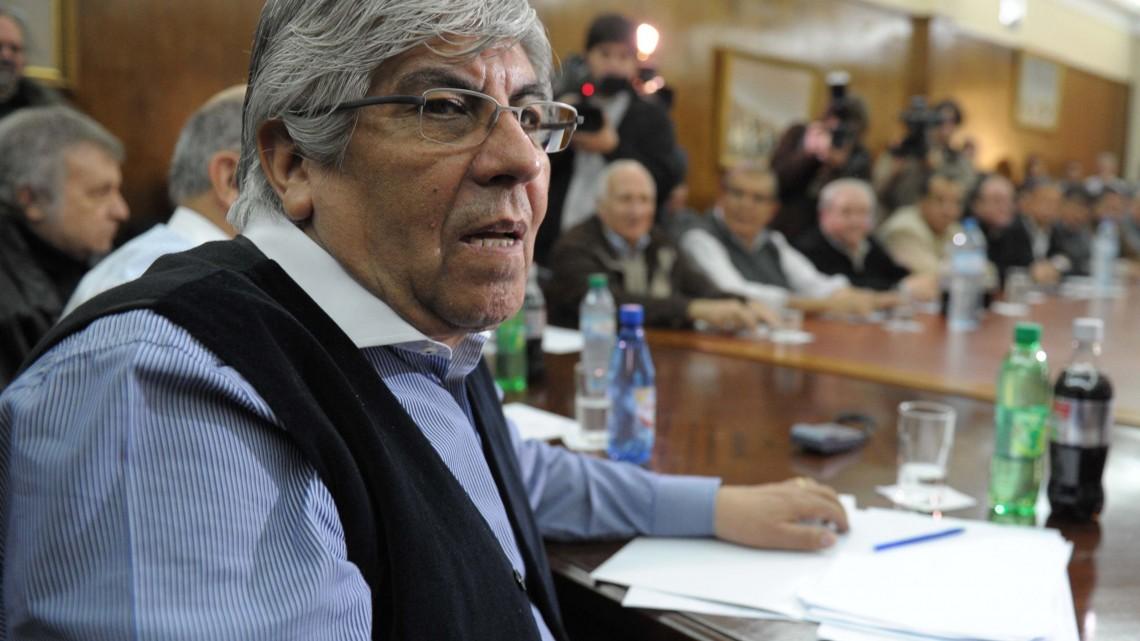 Télam- Buenos Aires- 21-06-2012 El titular de la CGT, Hugo Moyano durante la reunión en la que se decidió la adhesiión al paro. Foto: Alejandro Belvedere /Télam /cf