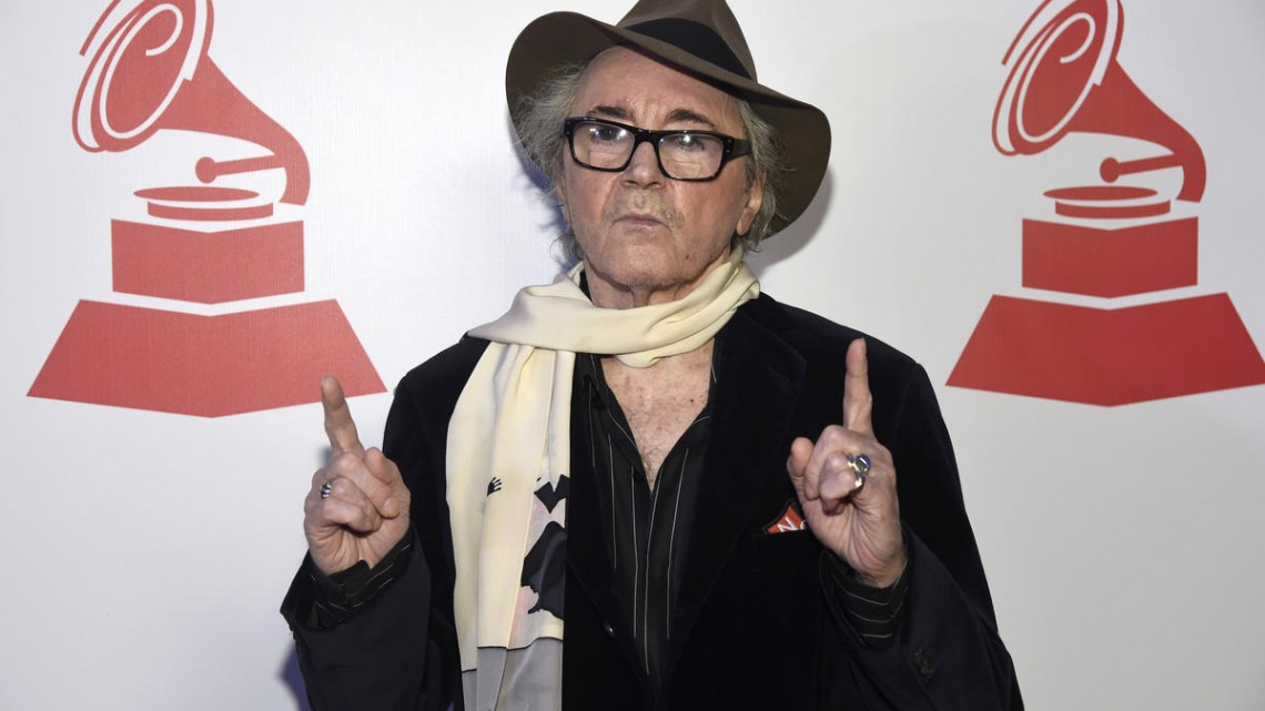 """FILE - In this Wednesday, Nov. 18, 2015 file photo, Gato Barbieri arrives at the Lifetime Achievement and Trustees Awards presentation at the Ka Theater in the MGM Grand Hotel, in Las Vegas. Grammy winning Latin Jazz saxophonist Leonardo """"Gato"""" Barbieri has died at a New York hospital, Saturday, April 2, 2016. (Photo by Chris Pizzello/Invision/AP, File)"""