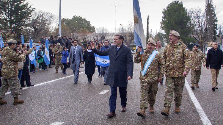 Neuquen 30-05-2016 Gutiérrez encabezó el acto por el 206º aniversario del Ejército Argentino...El gobernador de la provincia asistió a la ceremonia que se desarrolló en el predio del Batallón de Ingenieros de Montaña N° 6 de la ciudad de Neuquén.