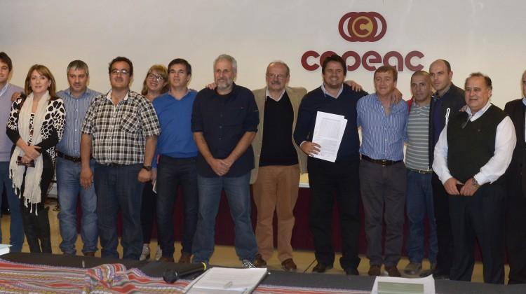 WEB-CABEZA-REUNION-TEMA-OBSERVATORIO-DE-CONSUMOS-PROBLEMATICOS_DSC3804