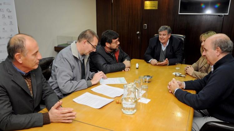 firma acta acuerdo epen-cooperativa de energia plottier