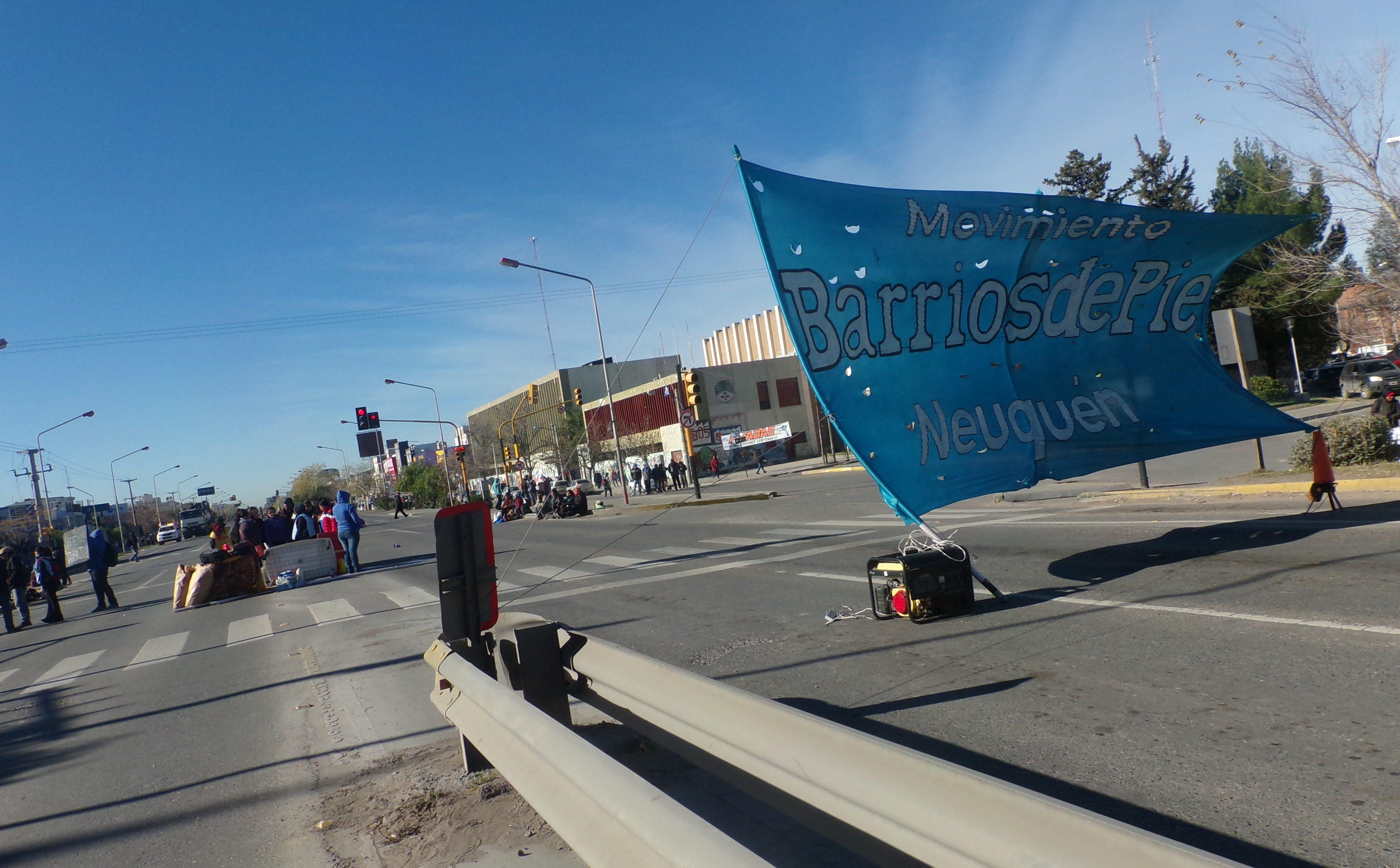Barrios de Pie se manifiesta en Casa de Gobierno
