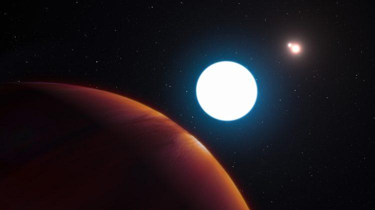 giant-planet-three-stars