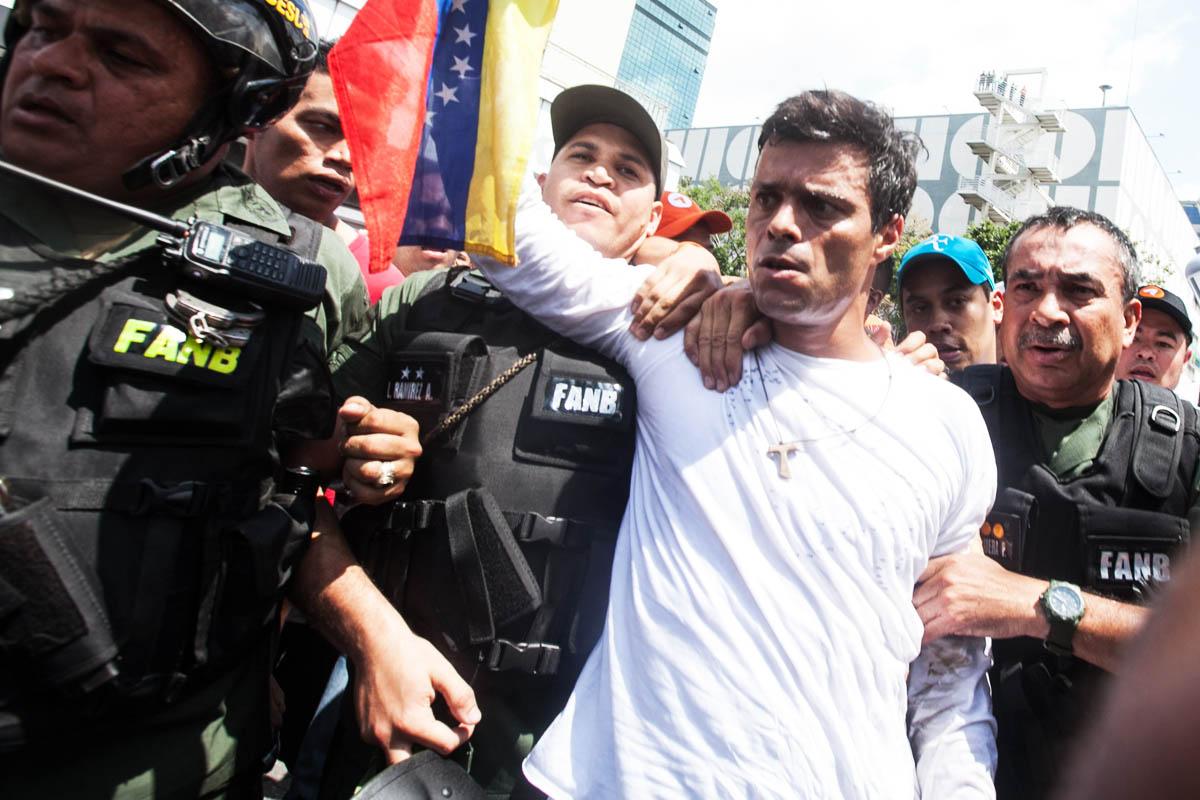 Leopoldo López logró salir de Venezuela