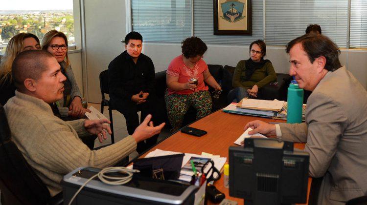 Corradi diez con representantes de  LGBT Neuquen