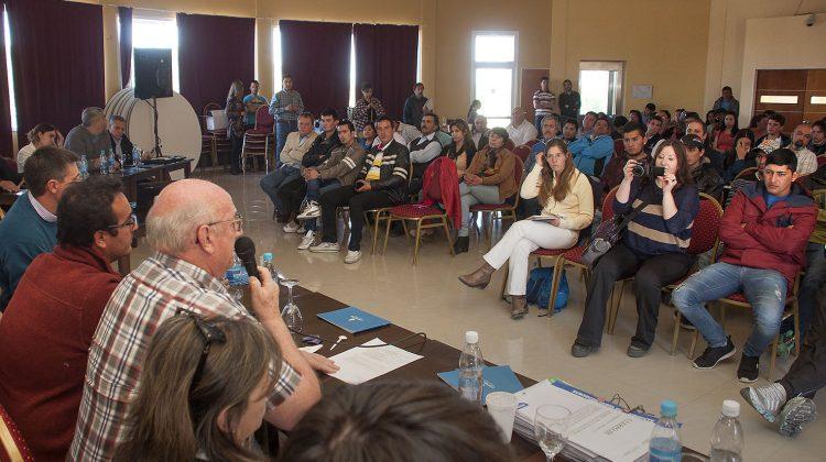 Añelo 26-09-2016 Realizaron la Audiencia Pública por la instalación de COMARSA en Añelo