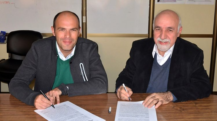 08-09-2016...Centenario se integró al modelo de Integrabilidad de datos El municipio firmó hoy el convenio con la secretaría de Gestión Pública. Se trata del séptimo municipio en firmar.