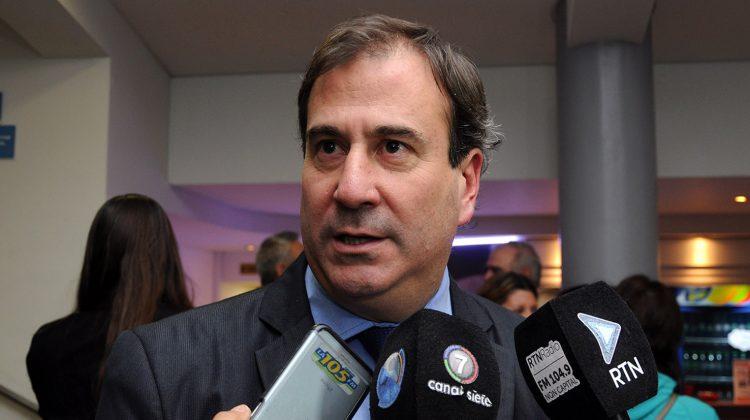 Neuquen 27-05-2016 Entrevista Ricardo Corradi Diez ministro de s