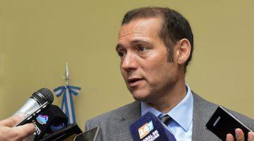 04-11-2016. Gobernador Omar Gutierrez sobre barrera sanitaria
