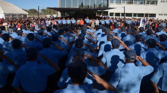 nqn egresados de la escuela de policía de neuquén foto mati subat 20-11-2013