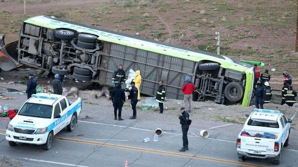 tragedia-mendoza-accidente-tur-bus-1920-3-1024x575