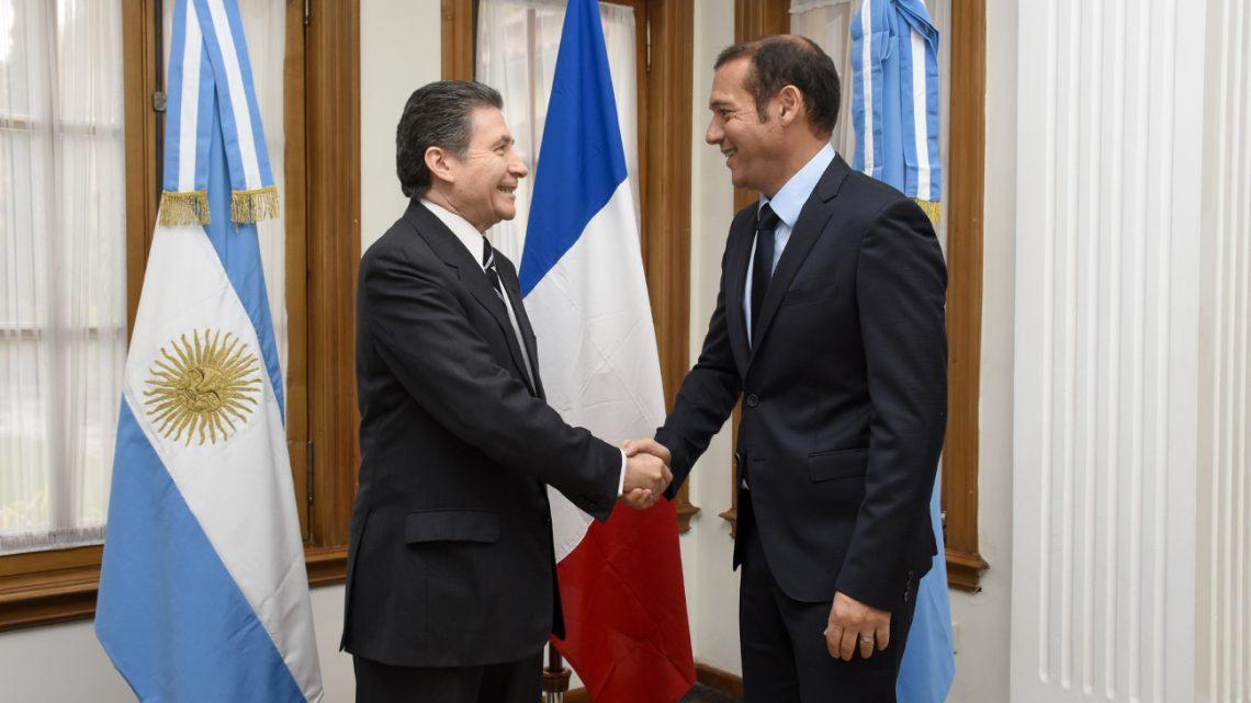 WEB-CABEZA-Gutiérrez-recibió-al-Embajador-de-Francia-en-Argentina-Pierre-Henri_SIP0882