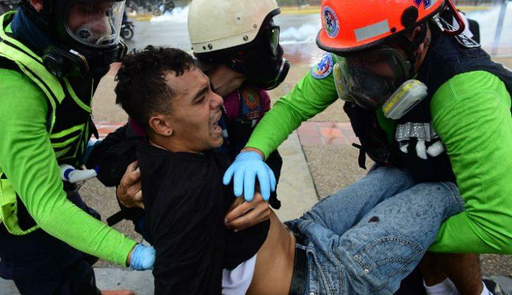 ola-de-protestas-y-represion-en-venezuela-01