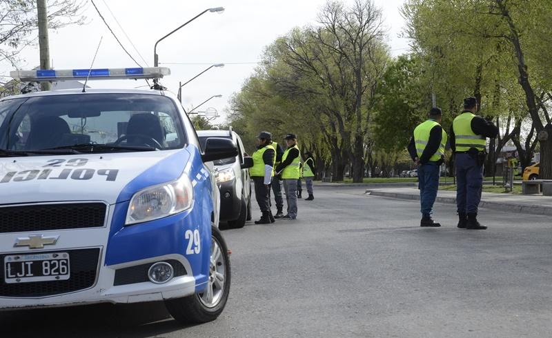 El conductor dio positivo en el alcotest y el acompañante tenía pedido de captura