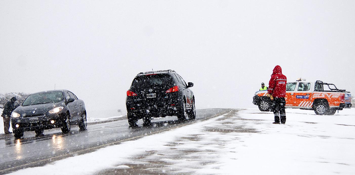 Conocé cuáles son las rutas cortadas a raíz de la acumulación de nieve