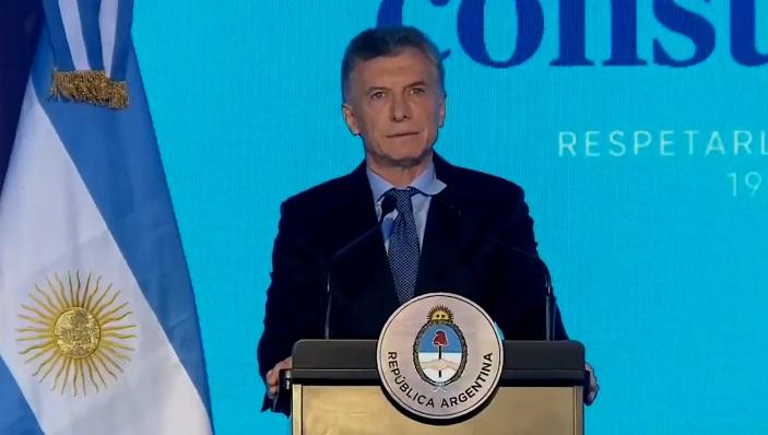 Macri: «No hay mejor manera de defender la Constitución que acatarla»